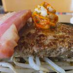 レストラン せんごく - 美しいハンバーグとベーコンとせんごくバターソース