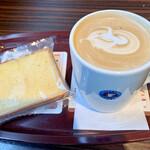 エクセルシオールカフェ - ラテとパウンドケーキ締めて560円