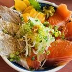 埼玉漁港 海鮮食堂 そうま水産 - 海鮮丼
