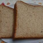 ベーカリーズキッチン オハナ - グランブレッド 半斤¥172-
