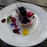 ラ・パニエ - ブルーベリーチーズケーキ