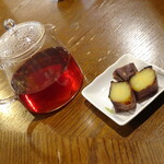 赤七屋 - サービスの焼き芋