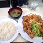 ランチハウス - Aセット(チキン唐揚、ポーク焼肉) 700円