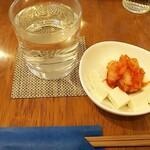 ケールイス - 純米酒とキムチ冷奴