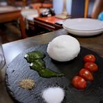 ワインカフェ 大森 - モッツァレッラチーズ