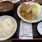 朱華飯店 - 色がうすーい焼肉定食