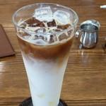 カフェアノン - アイスカフェラテ 450円