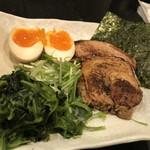 青山焼鳥倶楽部 昼の部 らーめん・つけ麺屋 -