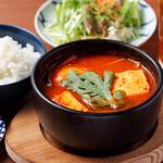 焼肉 YOKOHAMA 045  - チゲスープランチ