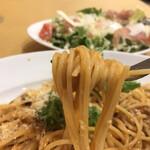 ペッシェドーロ - パスタ&ピッツァコース2080円(税込み)。ウニのクリームソース スパゲッティ。濃厚なソースと生ウニが絡んで、とても美味しいソースです(╹◡╹)。でも、麺が。。。