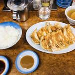ミスター・ギョーザ - 酢醤油と味噌ダレ