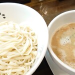 自家製麺 麺や ひなた - 料理写真:天草大王鶏白湯つけ麺♪