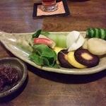 12592371 - 嘗め味噌と食す自家農園と新鮮有機・無農薬野菜