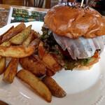 米沢ステーキ&ビストロ 飛行船 - ゴルゴンゾーラチーズのせ米沢牛ハンバーガー~☆