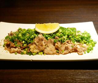 博多野菜巻き串焼き ここにこんね - ☆牛タンさがりねぎポン酢(^_-)-☆
