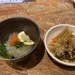 長崎県平戸港 - のれそれぽん酢とお通し