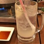 神田餃子居酒屋WARASHIBE GYOZA - 生レモンサワー