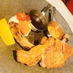 イタリアン&グリル アクア イルフォルノ - 友達が食べた『骨付き黒豚のトマホーク』