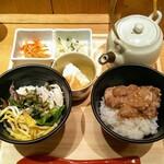 だし茶漬けえん - ハーフ&ハーフ「鯛だし茶漬け」「奄美大島・鶏飯風」