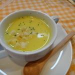 田舎亭Cafe案山子 - バケットセットのスープ