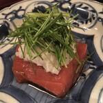 Tanimoto - 千葉勝浦の220キロ級のマグロを芽ネギとともに 海苔を巻いて