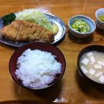 とんかつ 万平 - ロースカツ定食(1,600円)