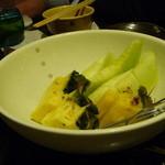 個室 魚と黒豚 まん - デザートのメロンとパイナップル