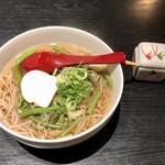 食事処 はなかれん - 料理写真:「山菜そば」(780円)