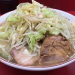 ラーメン二郎 - 【再訪】小豚(野菜,アブラ,カラメ)