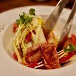 ビストロ ポーカー - 豚レバーのマリネと千切野菜のサラダ仕立て 600円