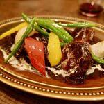 ビストロ ポーカー - 豚舌の赤ワイン煮 彩り野菜添え 1600円