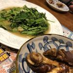 火焔山餃子房 - 空芯菜炒めと豚足