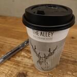 THE ALLEY - チーズクリーム黒糖ラテ(マイルドホット) 550円