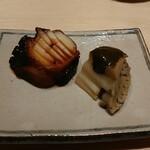 江戸前鮨 山形割烹 出羽 - たこ桜煮&煮あわび