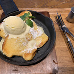 上高地あずさ珈琲 - 料理写真:自家製パンのミルクフレンチトースト   638円(税込)