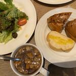 カフェ セル ロイド - ランチのパン、スープ、ドリンクは食べ放題飲み放題でした。