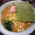 ラーメン麺太郎 - 料理写真:ラーメン中盛り