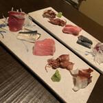 燗アガリ はなれ - 刺身5種盛り(鰤、イワシ、鮪、蛸、ホタルイカ) 鰯は〆てありました。普通に美味しい。