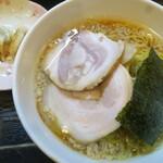 宗家一条流がんこラーメン八代目直系 - 醤油(こってり)+焼餃子