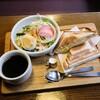 伊藤珈琲店 - 料理写真:ホットサンドのモーニング