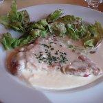 126362 - 豚肉のソテー ゴルゴンゾーラチーズのソース
