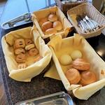 レストラン ブランヴェール - 朝食バイキング・パン。