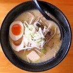ラーメンUMAMI - 料理写真:味噌ミルクバター(並)+味玉