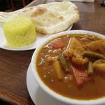 インドカリーハウス サイキルパ - 野菜カレー&ナン&ライス