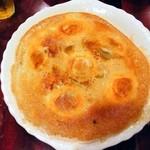 中国家庭料理 楊 - 焼き餃子¥550真ん丸です
