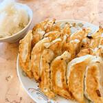 餃子の王将 - 料理写真:ライス大+餃子4人前(家族の分も込みですよー(笑))