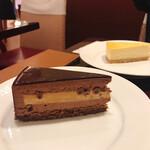 椿屋カフェ - チョコレートケーキとチーズケーキ