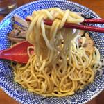 RYOMA本店 - 油そばの麺は中細ストレート麺