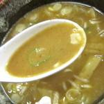 神明 - 濃厚とんこつ魚介系スープ