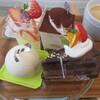 パティスリーアンパッション - 料理写真:ベリーヌ、ティラミス、フロマージュクリュ、チョコレートケーキ